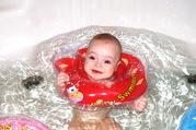 BabySwimmer - уникальные круги для купания младенцев от 0 до 3 лет.
