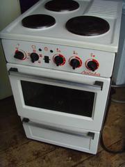 3-ех комфорочная электрическая плита в отличном рабочем состоянии
