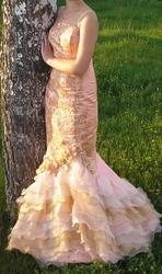 Выпускное персикового цвета платье