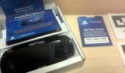 Продам PS Vita+3 игры+6 карт виртуальной реальности (новая)
