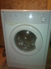 Продам стиральную машину  Indesit.