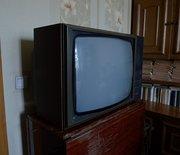 Продам телевизор Березка цветной нерабочий