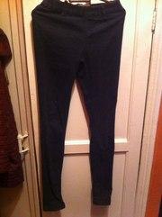 продам штаны, узкие, по ноге, с завышеной талией, высокие, черно-серые.....