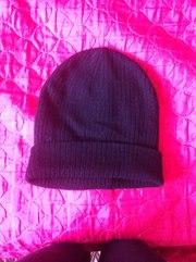 продам шапочку чёрную, трикотажную, тянется, длинная, возможен подворот