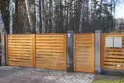 Забор из дерева для дома